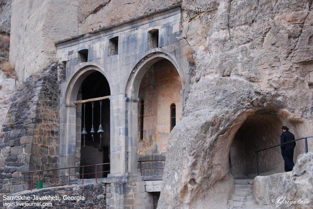 Cave-City-Vardzia-1