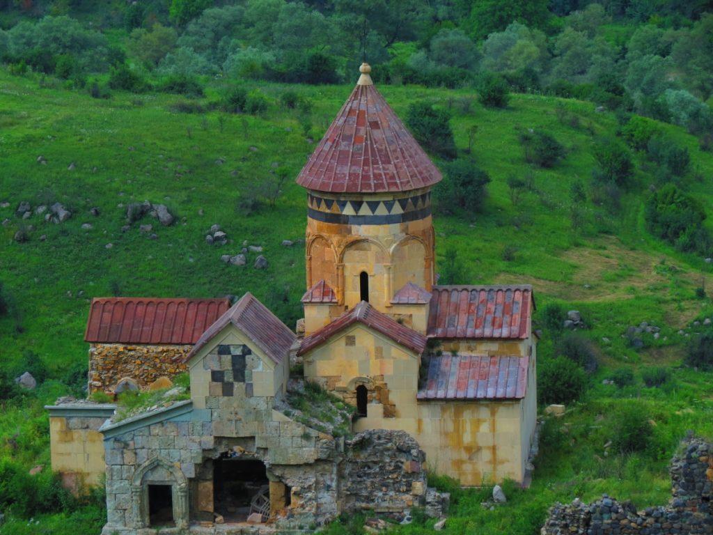Hnevank-Monastery-1