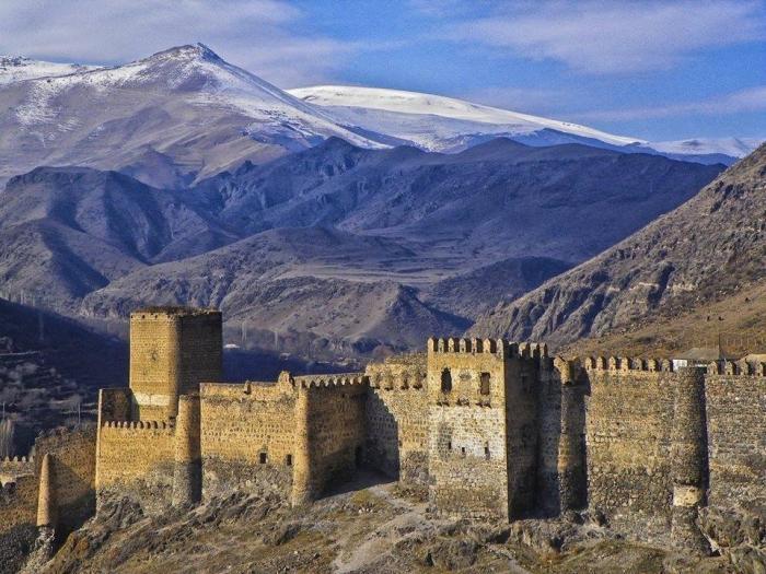 Khertvisi-Castle