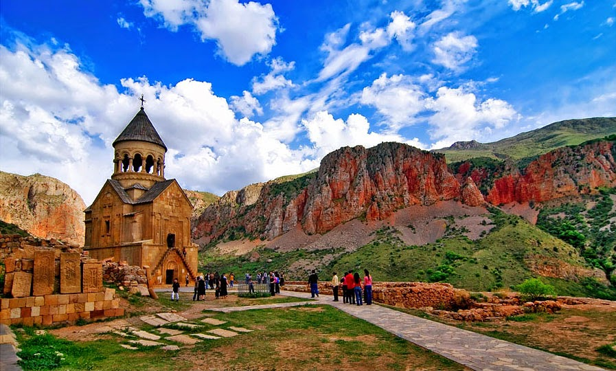 Noravank-Monastery2