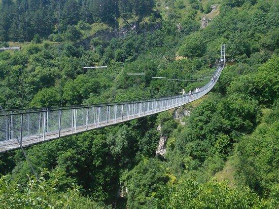 The-Hanging-Bridge-1