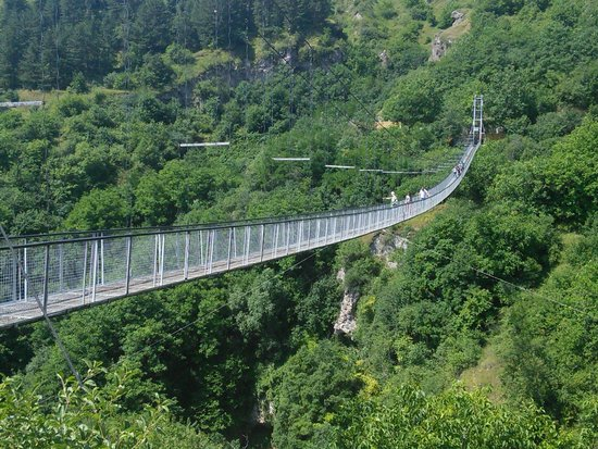 The-Hanging-Bridge