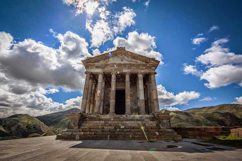 garni-temple1-1